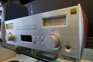 TEAC Reference 7 series  NR-7CD 只今展示中!
