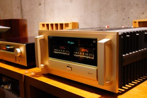 Accuphase C-2850 / A75 展示開始。